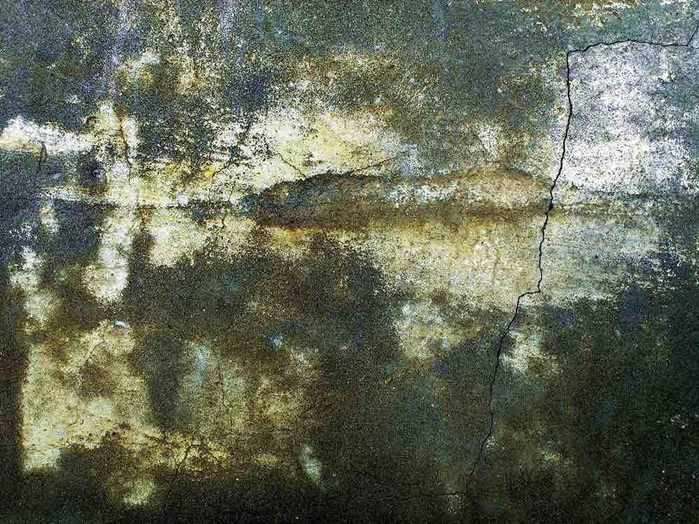 PARED CON ISLA EN VIEJA CASA (109×82) | 2 DE 8